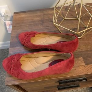Light red Earth brand wedges 6.5